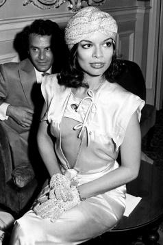 Bianca Jagger Turban 1960
